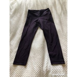 Reversible lululemon wunder under crop leggings